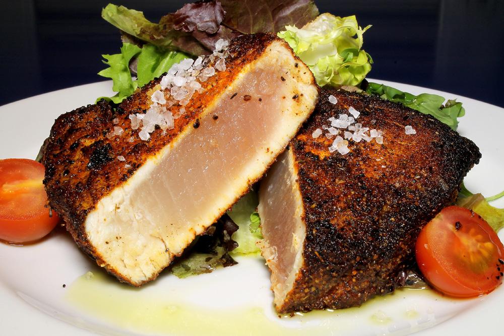 restaurante-gumbo-new-orleans-cajun-bonito-enegrecido